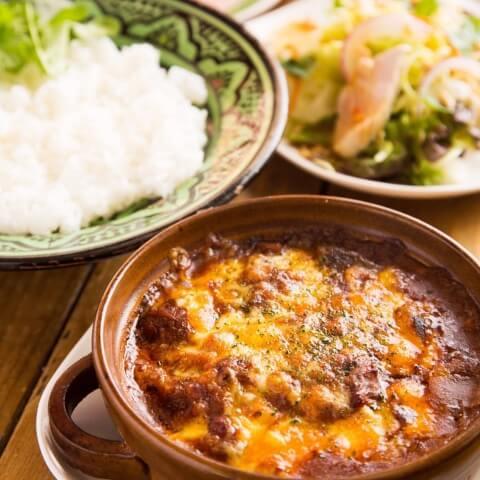 D ラム肉と豆の焼きカレー